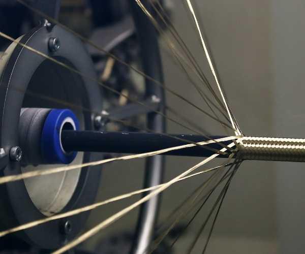 hydraulic hose braiding machine