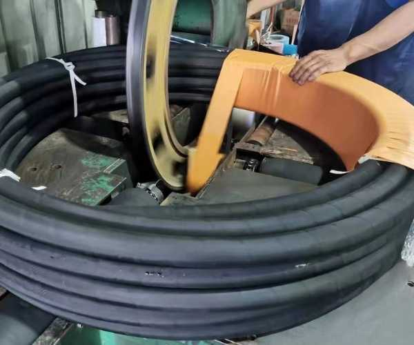 hydraulic hose packaging